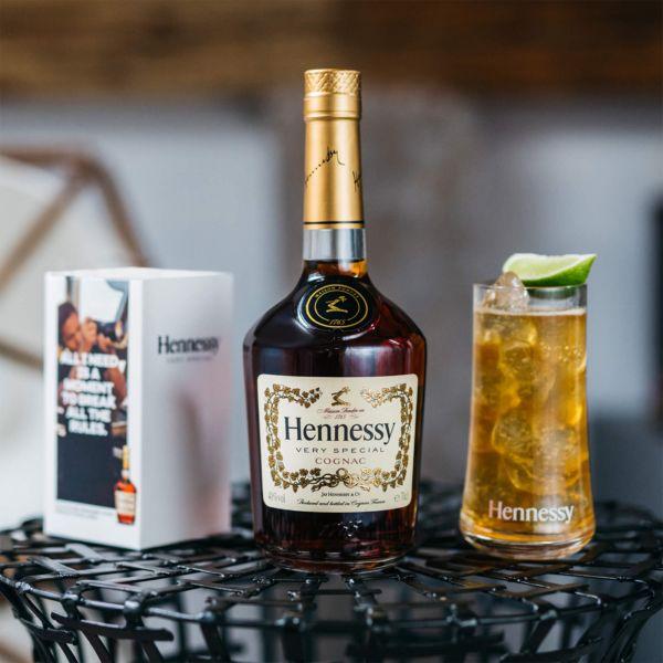 "Hennessy VS* + 2 Highball Gläser von ""Michael Young"" *"