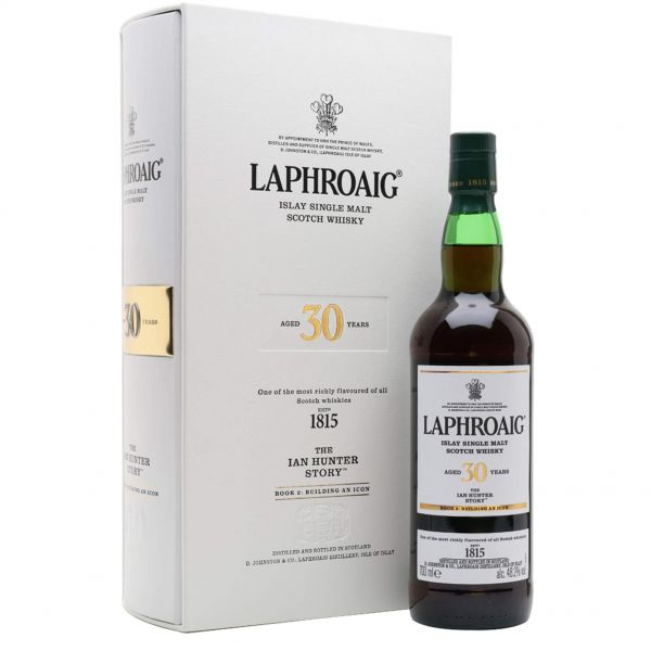 Laphroaig 30 Years Ian Hunter Story Book 2